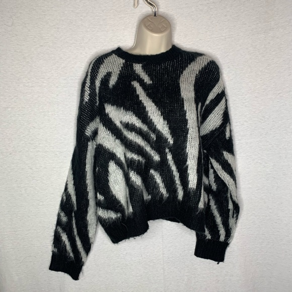 4/$35 Forever 21 L Sweater Pullover Retro Look